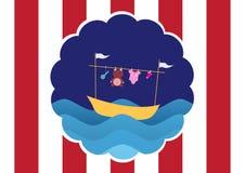 Vêtements de bébé sur le bateau et l'ondulation jaunes, conception pour des cartes d'enfant Photos stock
