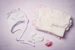 Vêtements de bébé, vue d'en haut Images libres de droits