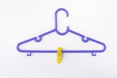 Vêtements de cintre Image stock