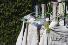 Vêtements de coup sous le soleil photo libre de droits