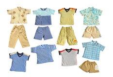 Vêtements de l'été du garçon Photographie stock