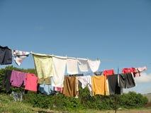 Vêtements de séchage images stock