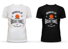 Vêtements de sport de coton de T-shirt avec le thème de basket-ball Photos stock