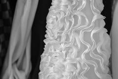 Vêtements dessus sur un rail de théâtre Image stock