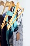 Vêtements en vente Image stock