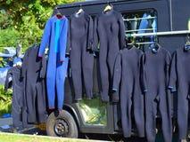 Vêtements isothermiques séchant au soleil. Photo libre de droits