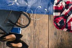 Vêtements occasionnels de femme Vue supérieure Image stock
