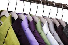 Vêtements sur une bride de fixation image libre de droits