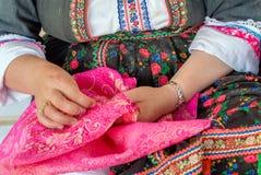 Vêtements traditionnels d'olympos d'île de la Grèce Karpathos Image libre de droits