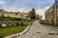 Vía de acceso al castillo normando del milazzo fotos de archivo libres de regalías