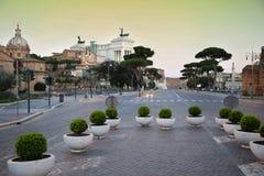 Vía el dei Fori Imperiali en Roma, Italia Imágenes de archivo libres de regalías