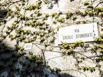 Vía Ercole Sfondrati Fotos de archivo libres de regalías