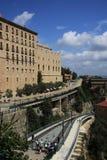 Vía ferroviaria del tren de Montserrat Cremallera en Monistrol de Montserrat, España Imagen de archivo