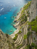 Vía Krupp en la isla de Capri, Italia imagen de archivo libre de regalías