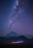 Vía láctea en Bromo Imagen de archivo libre de regalías