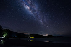 Vía láctea en el cielo Fotos de archivo libres de regalías