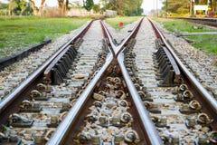Vías de ferrocarril ferroviarias para el transporte público del tren Imagen de archivo