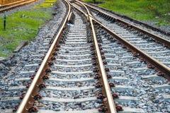 Vías de ferrocarril ferroviarias para el transporte público del tren Fotografía de archivo