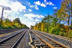 Vías del ferrocarril o de ferrocarril para el transporte del tren Foto de archivo libre de regalías