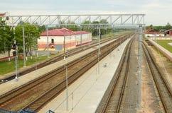 Vías ferroviarias para los trenes Imágenes de archivo libres de regalías