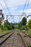 Vías vacías en Lourdes, Francia, Hautes los Pirineos Foto de archivo libre de regalías