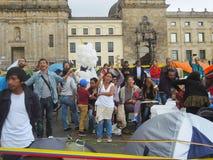 Víctimas de la violencia y estudiantes en protesta en Bogotá, Colombia Foto de archivo libre de regalías