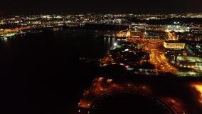 Vídeo aéreo de Camden New Jersey Waterfront en la noche almacen de metraje de vídeo