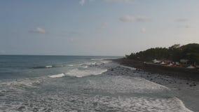 Vídeo aéreo de la rotura del EL Salvador Surf de Punta Roca almacen de metraje de vídeo