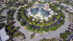 Vídeo aéreo de un edificio de oficinas 3 almacen de video