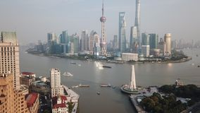vídeo aéreo do hyperlapse 4k de Shanghai no dia video estoque