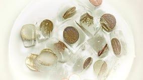Vídeo: Algumas moedas do ¬ do 'do â estão derretendo a tempo o lapso video estoque
