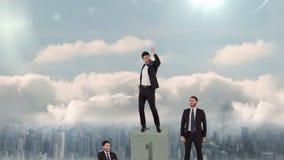 Vídeo compuesto del hombre de negocios en el podio almacen de metraje de vídeo