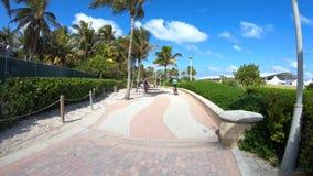 Vídeo de Hyperlapse de la 'promenade' de Miami Beach almacen de metraje de vídeo
