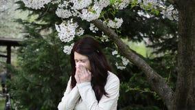 Vídeo de la alergia del polen con el sonido almacen de video