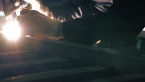 Vídeo de soldadura del argón de aluminio de la construcción almacen de video