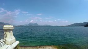 Vídeo de Timelapse del lago del maggiore almacen de metraje de vídeo