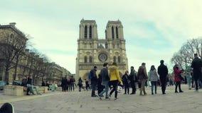 Vídeo do lapso de tempo da catedral de Notre-Dame em Paris video estoque