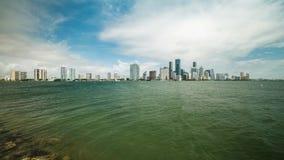 Vídeo do lapso de tempo da skyline de Miami vídeos de arquivo