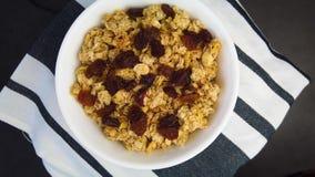 vídeo 4K do mussli assado ao forno inteiro do cereal da grão filme