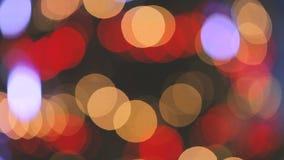 Vídeo Unfocused de luzes borradas da árvore de Natal vídeos de arquivo