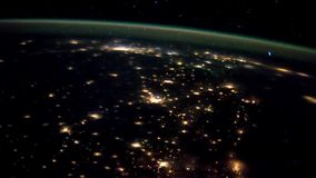 3 vídeos in1 Tierra del planeta vista del ISS Tierra y Aurora Borealis del ISS Elementos de este vídeo equipado cerca almacen de metraje de vídeo