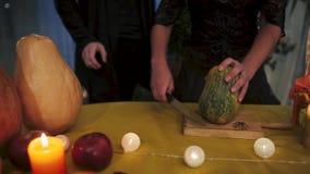 Víspera de Todos los Santos Ritual místico de Halloween almacen de metraje de vídeo