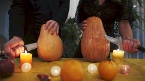 Víspera de Todos los Santos Ritual místico y terrible de dos desconocido el día de fiesta de Halloween metrajes