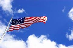 Vôo da bandeira dos E.U. Fotografia de Stock
