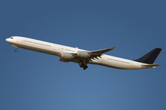 Vôo do avião Imagem de Stock Royalty Free