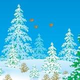 Vögel, die über einen Winterwald fliegen Lizenzfreies Stockfoto