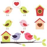 Vögel im Liebesset Stockfotos