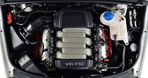 V6 μηχανή αυτοκινήτων Στοκ φωτογραφίες με δικαίωμα ελεύθερης χρήσης