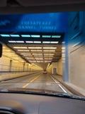 v 一个隧道 免版税库存照片