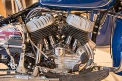 V-2一辆历史的摩托车的引擎 免版税库存图片